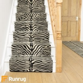 Quirky Skinny Black 7060 Stair Runner