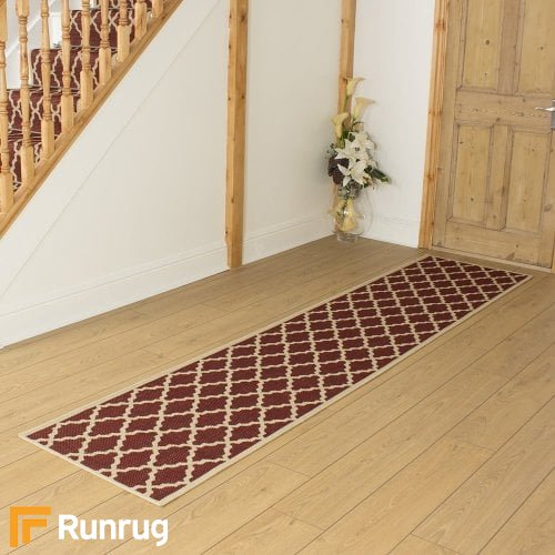 Quatrefoil Red Hall Runner